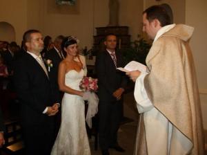 Svadba v starokatolíckej katedrále sv. Vavřince v Prahe na Petříně.